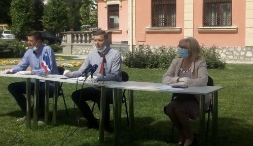 Zelenović: Policija sedam dana bez izveštaja o paljenju bakljiu Šapcu 6