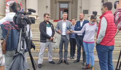 Obradović i Kostić prekinuli štrajk glađu 12