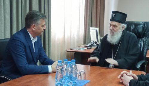 Patrijarh Irinej obišao hramove u Pirotu 13