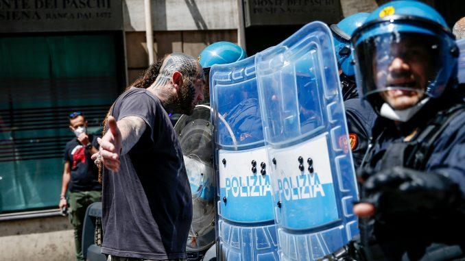 U Rimu protest protiv italijanske vlade 5