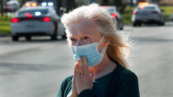 U SAD 1.015 umrlih od korona virusa u 24 časa, najmanje u mesec dana 3