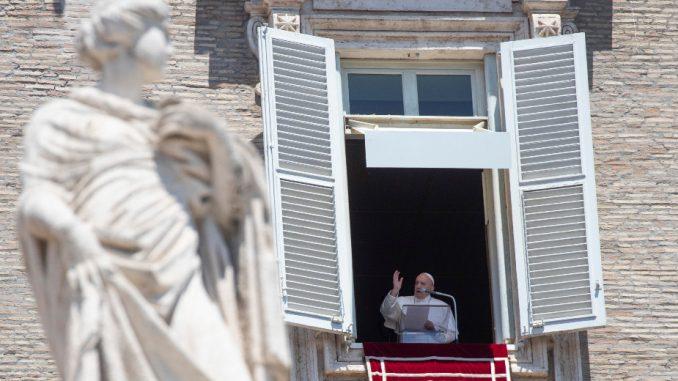 Papa pozvao vernike da izbegavaju pesimizam u eri korona virusa 3