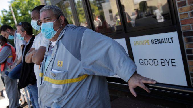 U Francuskoj protest ispred fabrike Renoa protiv ukidanja radnih mesta 3
