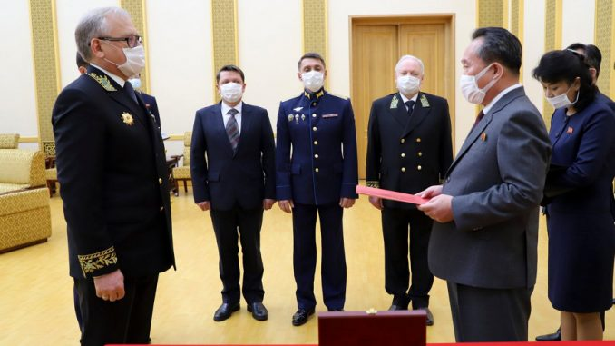 Putin odlikovao Kim Džong Una povodom 75. godišnjice pobede nad nacizmom 2