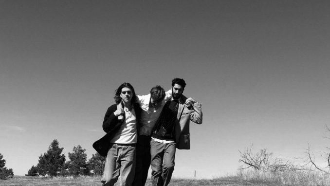 Mikstejp za karantin: Plejlistu pravi bend Dogs in Kavala 4