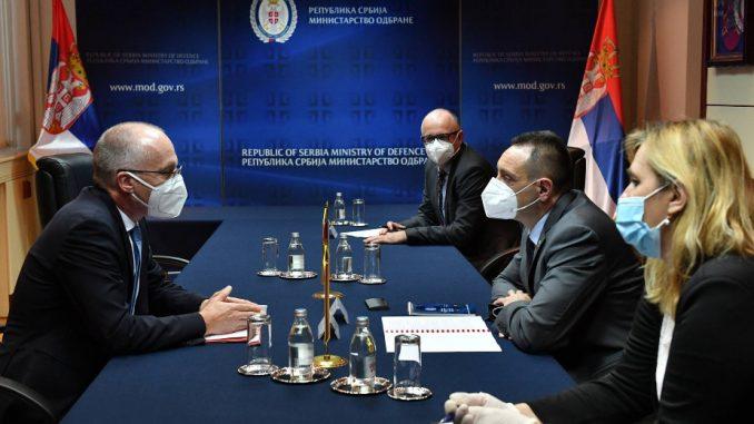Vulin sa ambasadorom Nemačke o podršci oružanih snaga te države Vojsci Srbije u mirovnim misijama 1