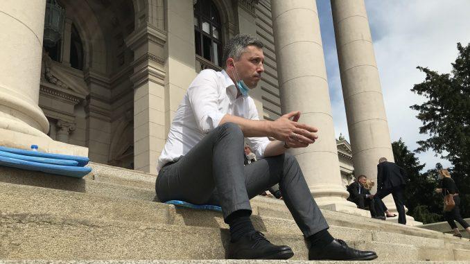 Poslanik Dveri se pridružio Obradoviću u štrajku glađu 3