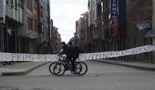 U Boliviji građani lupali u šerpe tražeći izbore 2