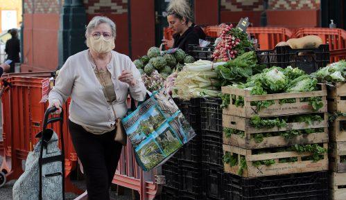 Francuzi se tokom izolacije ugojili u proseku po 2,5 kg 1