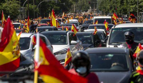 Španski desničari u protestnoj vožnji zbog odgovora vlade na pandemiju 4