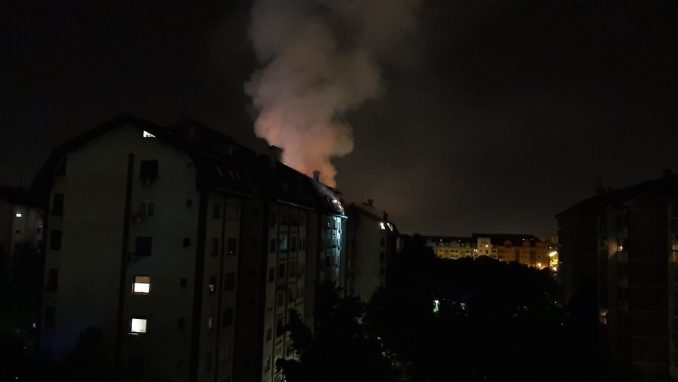 Ugašen požar u zgradi na Novoj Detelinari 2