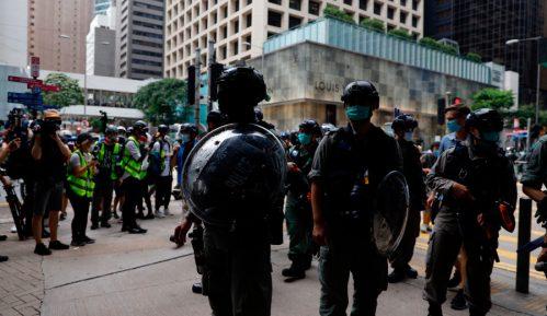 Policija Hongkonga upotrebila suzavac protiv demonstranata 9