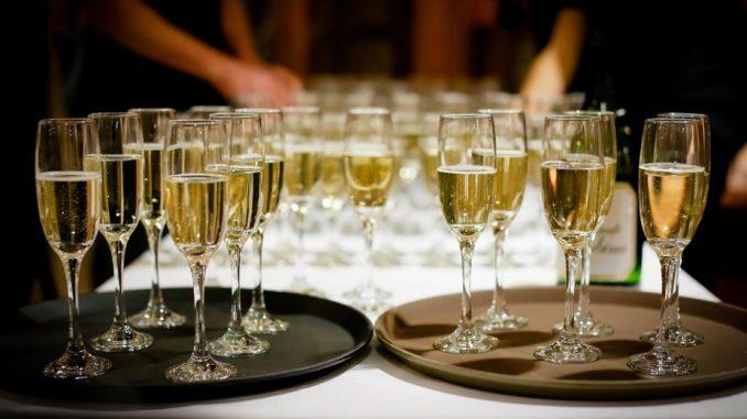 Opala prodaja šampanjca zbog pandemije 3