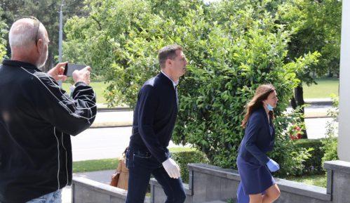 Počelo suđenje po tužbi Vučićevog brata, Aleksić hoće nezavisno veštačenje 12