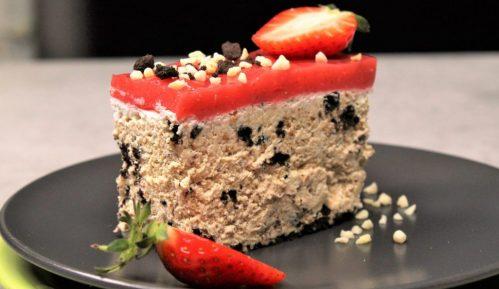 Recept nedelje: Torta lenja žena sa jagodama 1
