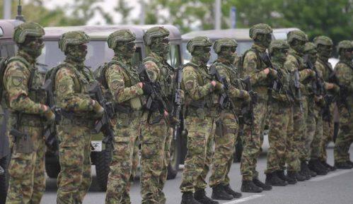 Vojska čuva rejting vlasti 6