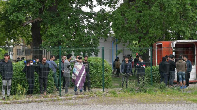 Vojska Srbije u migrantskim kampovima u Šidu (FOTO) 3