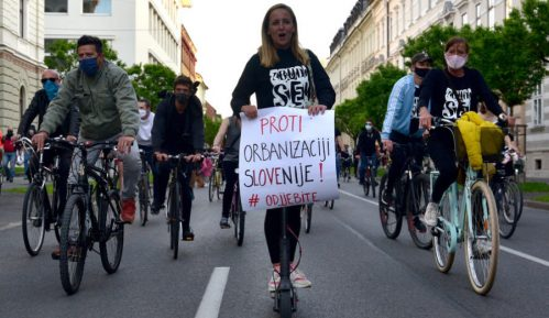 Demokratija i sloboda medija brane se biciklima 13