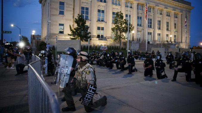 Vojnici se povlače iz Vašingtona u svoje baze 3