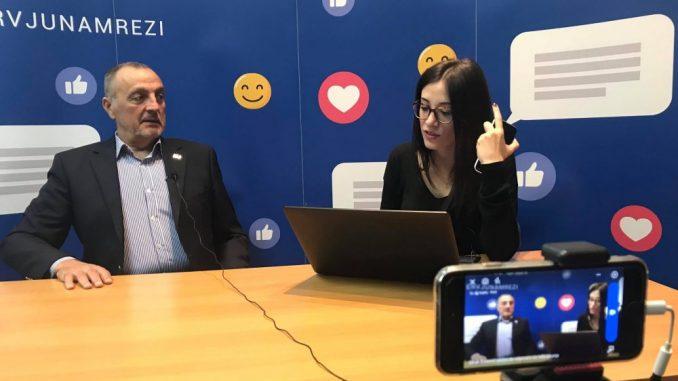 Zoran Živković odgovarao na Fejsbuku (VIDEO) 3