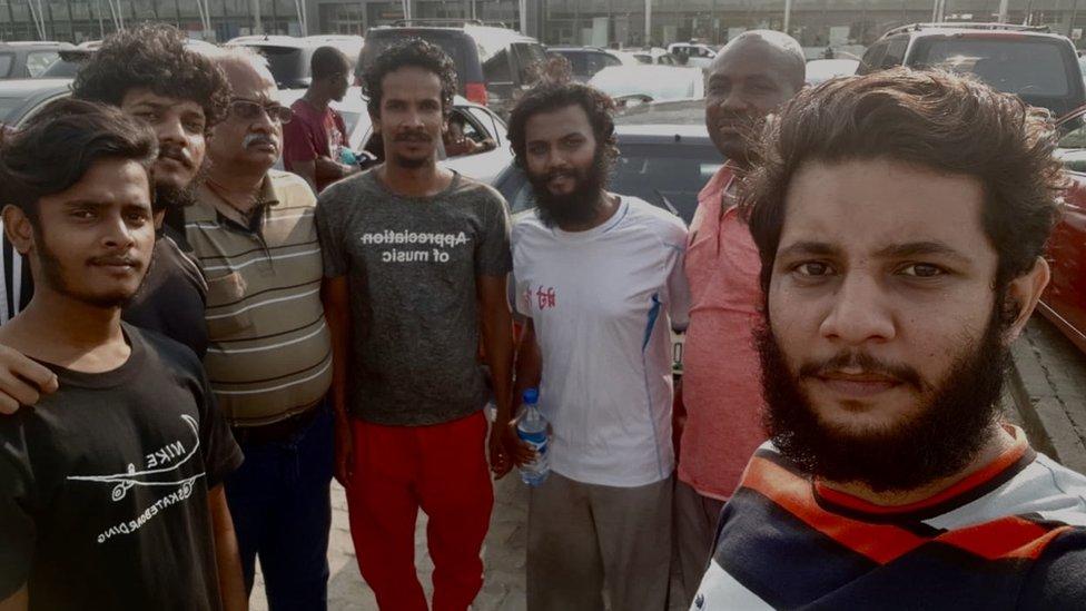 Mornari fotografisani u Nigeriji po oslobođenju