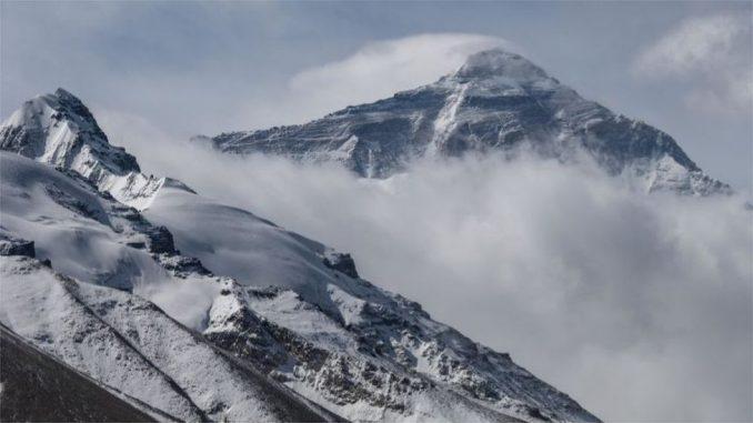 Mont Everest: Uspon kineskog tima tokom pandemije 4