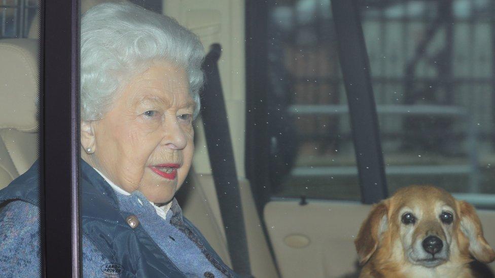 Kraljica putuje u Vindzor, 19. mart