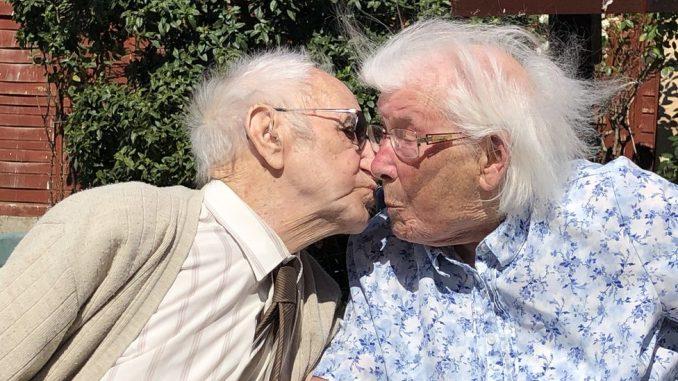 Dok nas smrt ne rastavi - osamdesetu godišnjicu braka proslavili poljupcem 3