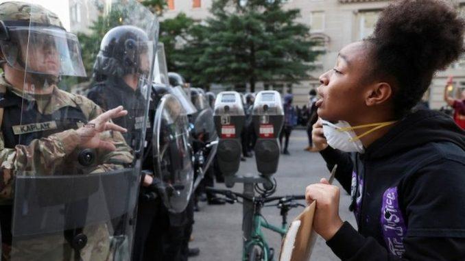 """Smrt Džordža Flojda: Papa Franja o """"grehu rasizma"""", demonstracije u Americi i pojedinim evropskim gradovima 2"""