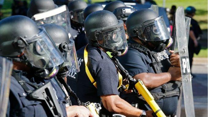 Smrt Džordža Flojda: Zašto ima tako malo presuda protiv američkih policajaca 2