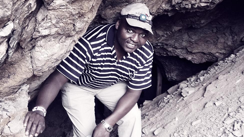 Dr Pol Vebala na terenu u pećini