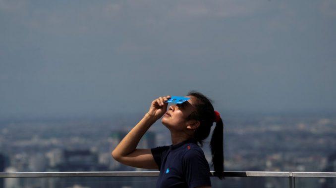 U fotografijama: Retko pomračenje sunca - Vatreni prsten - zadivio Aziju 1