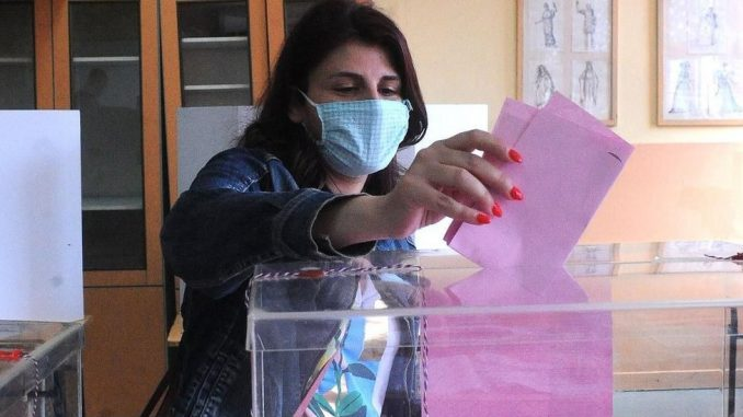 Izbori u Srbiji: Preliminarni nezvanični rezultati - SNS 62,7, SPS 10,6, Spas 4 odsto, na osnovu polovine uzorka, saopštavaju CESID i Ipsos 2
