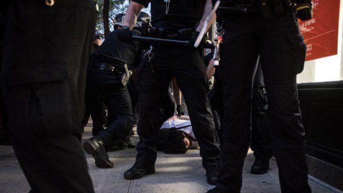 Nasilje šokiralo građane Sjedinjenih Država 4