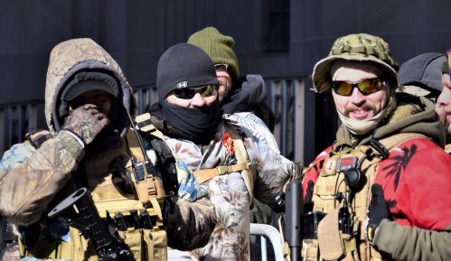 Zveckanje oružjem na američkim ulicama 11
