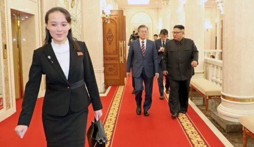 Pjongjang prekinuo komunikaciju sa Seulom 5