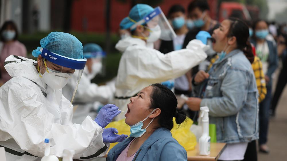 AFP: U svetu 468.518 umrlih od korona virusa, gotovo devet miliona zaraženih 1