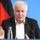 Zehofer: Nemačka će pojačati bezbednost granice zbog migranata 11