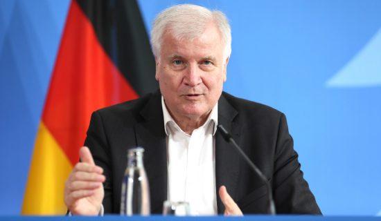 Zehofer: Nemačka će pojačati bezbednost granice zbog migranata 13