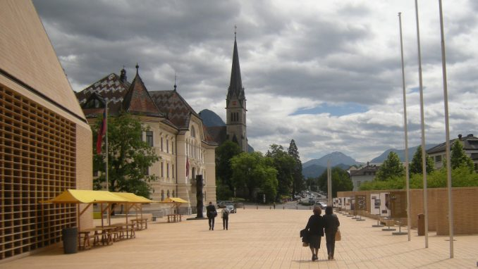 Lihtenštajn: Na kafi u bogatom Vaducu 1