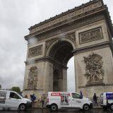Protest policajaca ispred Trijumfalne kapije u Parizu 11