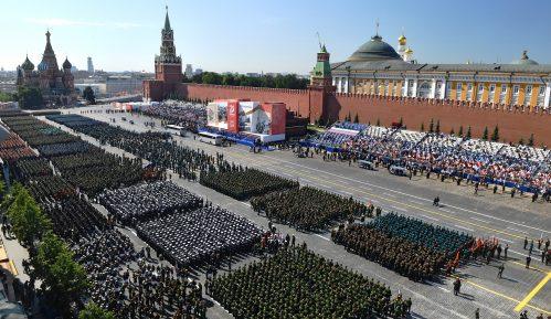 Putin na paradi u Moskvi: Samo zajedno možemo da zaštitimo svet od pretnji (FOTO) 3