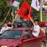 Na SDA skupovima i albanska zastava 11