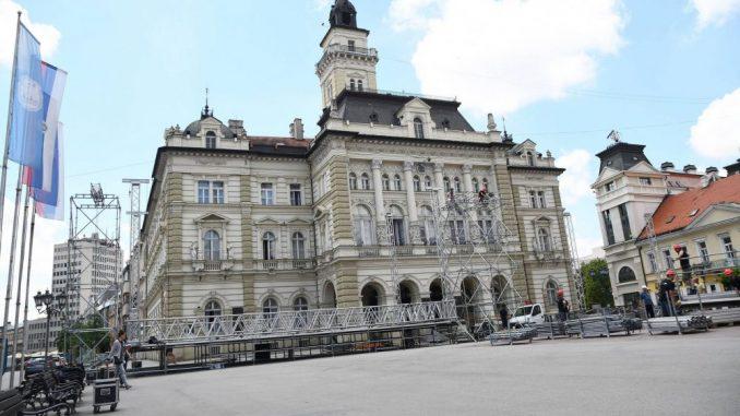 Kritična situacija u Novom Sadu, Zrenjaninu, Pančevu i Vršcu 2