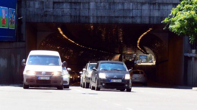 Narodna stranka: Građani ne mogu da registruju vozila zbog sukoba u SNS-u 1