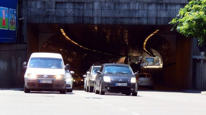 Narodna stranka: Građani ne mogu da registruju vozila zbog sukoba u SNS-u 3