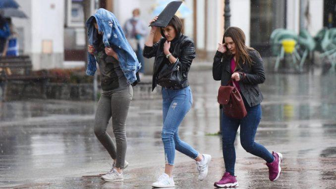 U Srbiji danas oblačno vreme, ponegde slaba kiša, na planinama slab sneg 2