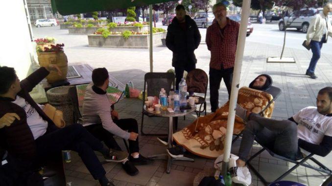 Bivši fudbaleri Borca i Jagodine prekinuli štrajk glađu 4