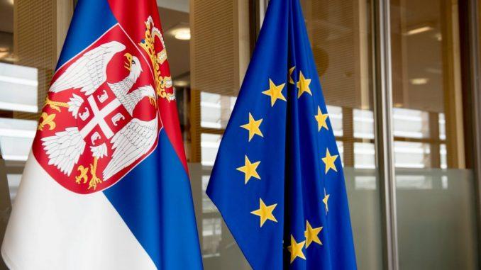 Čak 41 odsto mladih u Srbiji ima negativnu reakciju na pomen EU 4