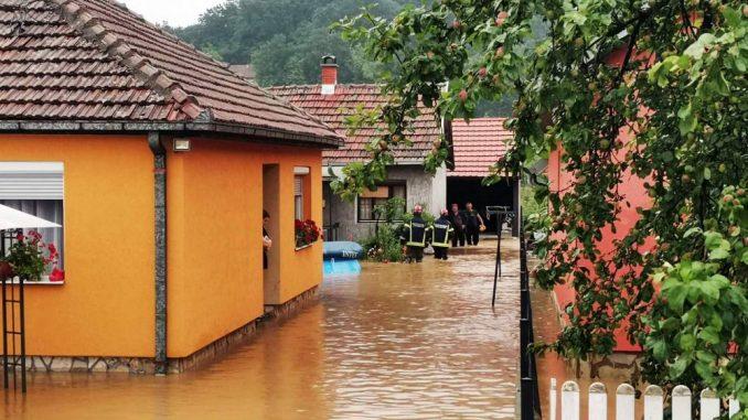 Marić: Zbog poplava evakuisano 325 ljudi, dve osobe se vode kao nestale 2